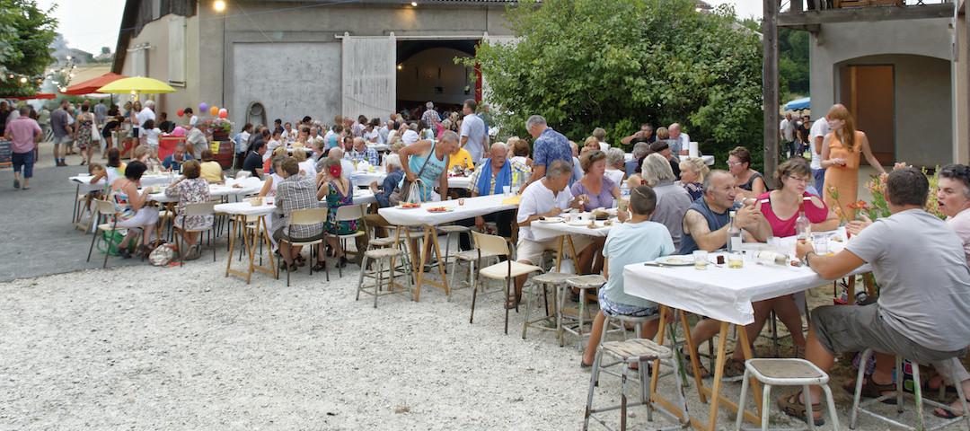 """Repas lors de notre """"marché gourmand au domaine"""" avec des producteurs locaux - Tourisme et Oenotourisme"""